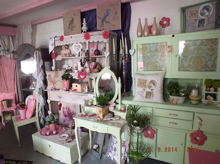 shabby chic dekoration floristikwerkstatt walzbachtal. Black Bedroom Furniture Sets. Home Design Ideas